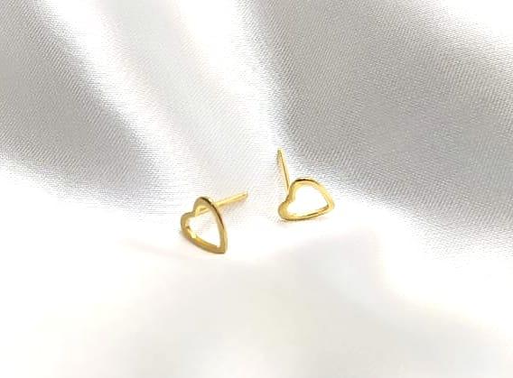Brinco Coração Vazado Banhado a Ouro BR0007H