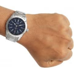 Relógio QeQ em Aço Masculino Q894J212Y.