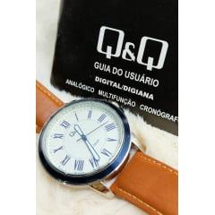 Relógio QeQ em Couro Masculino QB22J307Y