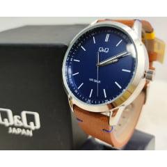 Relógio QeQ em Couro QB80J302Y